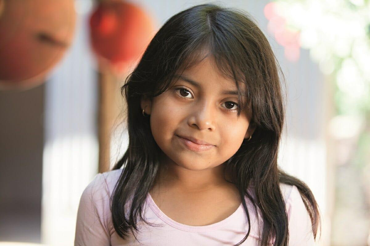 Handla i IM gåvoshop och hjälp flickor världen över