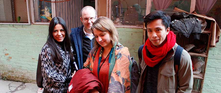 Deltagare från Fair Trade klass 2018/19 på plats i Kathmandu. Från vänster till höger: Cristina Romero, Fredrik Blom, Madalina Andreasson och Vinh Hoang.