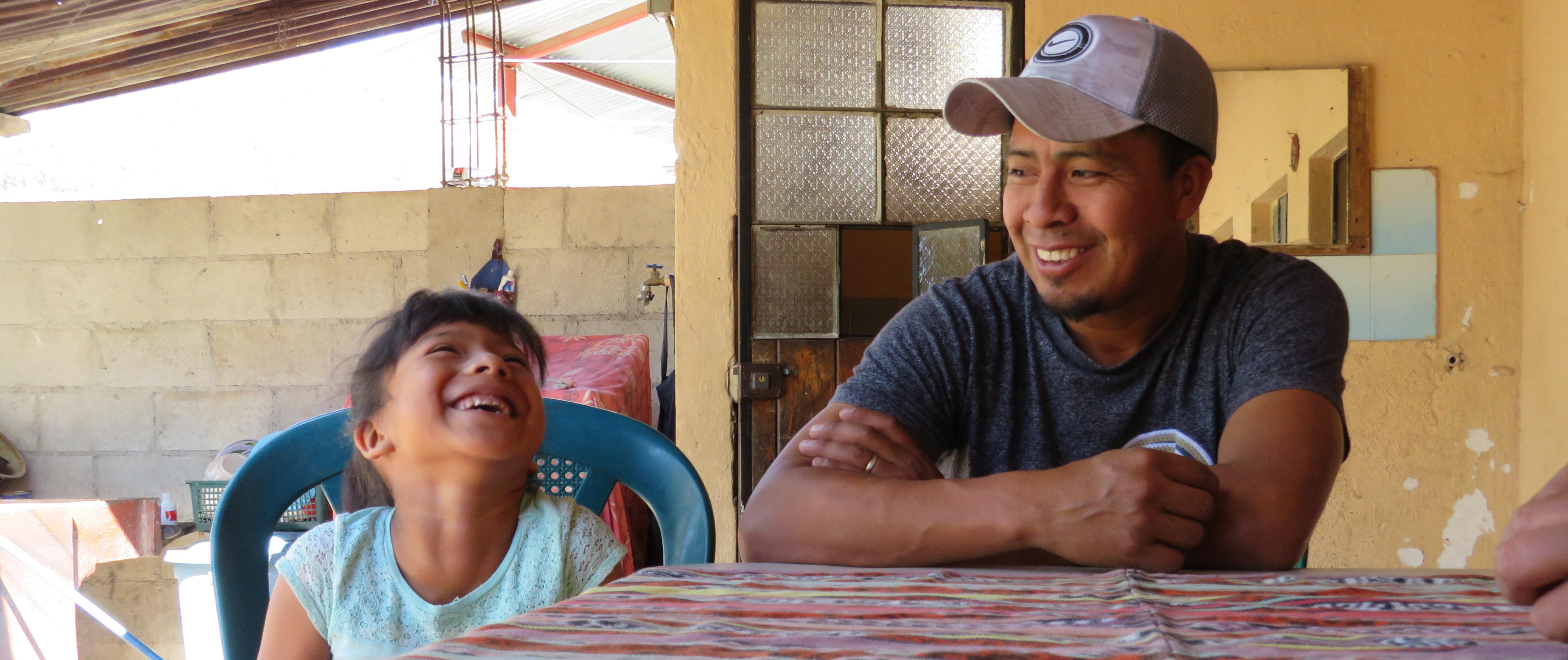 Santos Zapeta och hans dotter Andrea