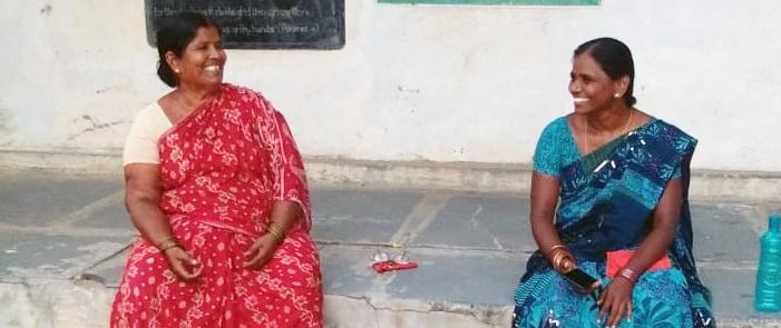 Två kvinnor som arbetar för MESH